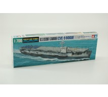 Tamiya - Porte-avions USS Bogue