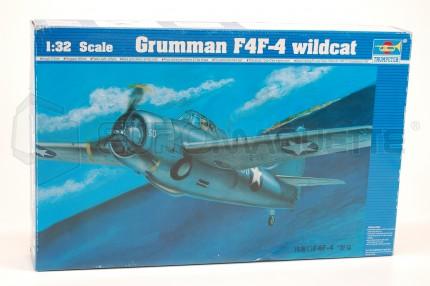 Trumpeter - F4F-4    wildcat
