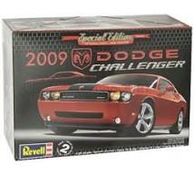 Revell / Monogram - Dodge Challenger 2009