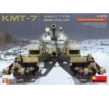 Miniart - KMT-7 early mine roller