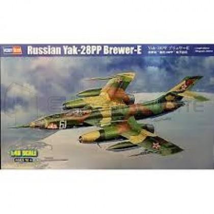 Hobby boss - Yak-28 PP Brewer E