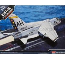 Academy - F-8E VF-162