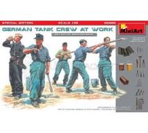 Miniart - German tank crew WWII & tools