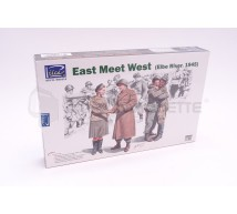 Riich Models - East meet West Elbe 1945