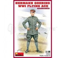 Miniart - H Goering WWI Pilot 120mm