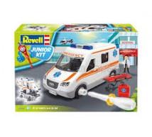 Revell - Ambulance Junior Kit