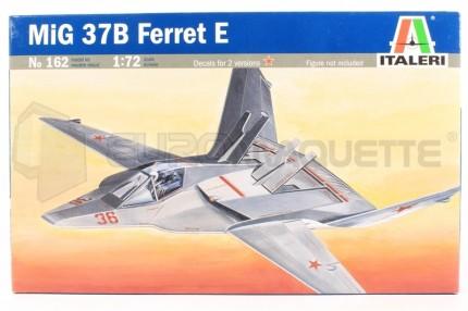 Italeri - Mig 37 Ferret