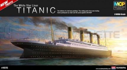 Academy - HMS Titanic (pré-peint) 1/400
