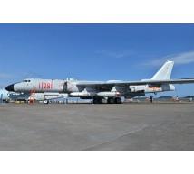 Trumpeter - Xian H-6K Bomber