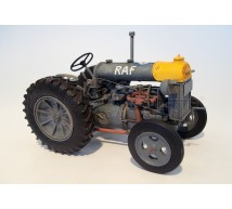 Plus model - Tracteur Fordson N Big RAF