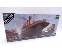 Academy - RMS Titanic 1/700