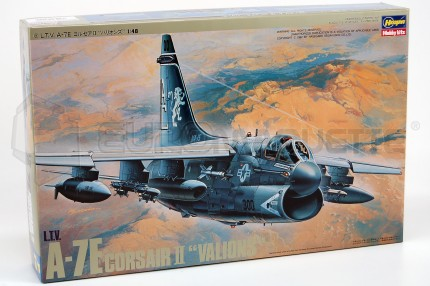 Hasegawa - A-7E Corsair II Valions