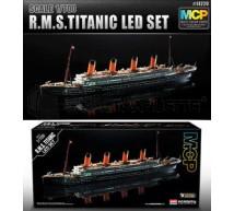 Academy - Titanic & Éclairage