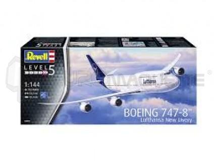 Revell - B-747-8  Lufthansa new livery
