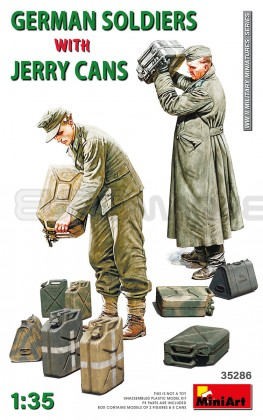 Miniart - German soldiers & Jerry cans