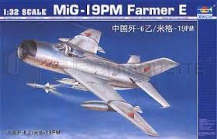 Trumpeter - Mig 19 PM farmer E